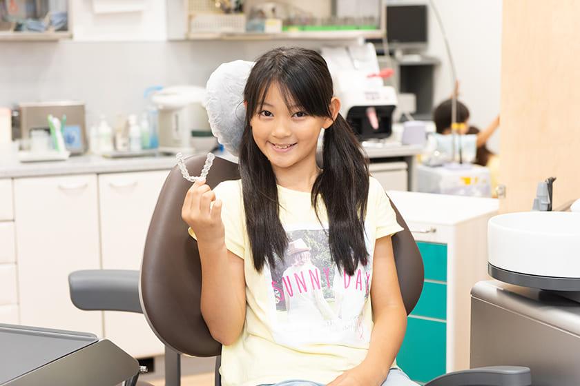 お子さんに自分の歯をしっかり虫歯から守る習慣を育てます。